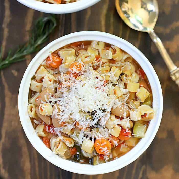 The BEST Crock Pot Minestrone Soup