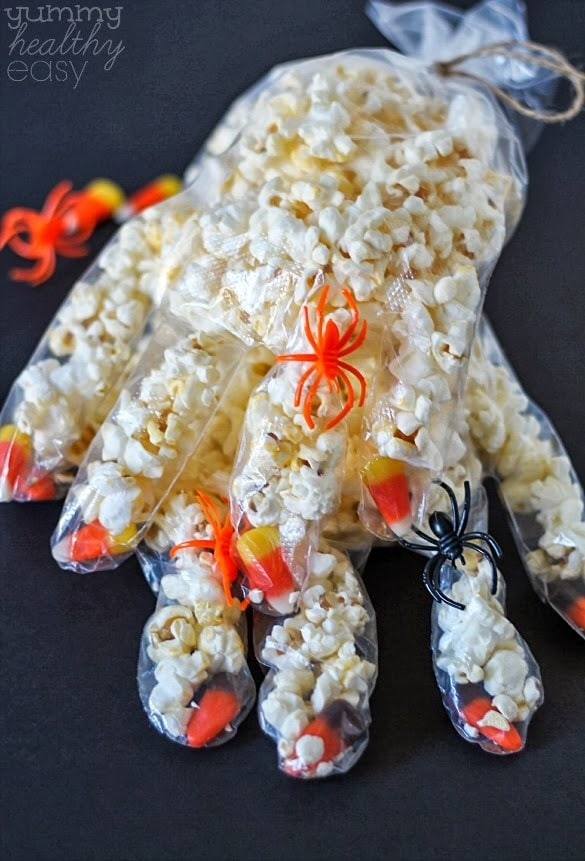 Easy Halloween Crafts. It seems like Halloween is just around the corner especially in the stores. The aisles are filling up with decorations, costumes, and candy! I have also seen a lot of Halloween craft kits full of all sorts of pieces you glue together or paint.