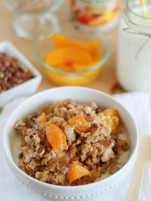 Super easy and delicious Crock Pot Peach Oatmeal! Super easy and such a great healthy breakfast! AD