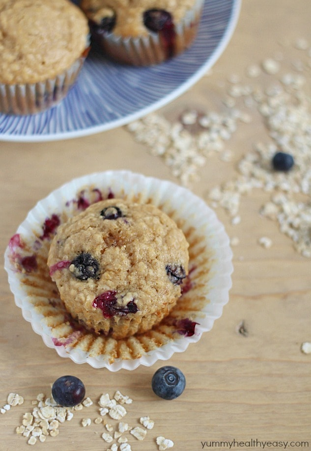 Moist & fluffy muffins filled with oats and blueberries! Healthy, easy and delicious breakfast or snack!