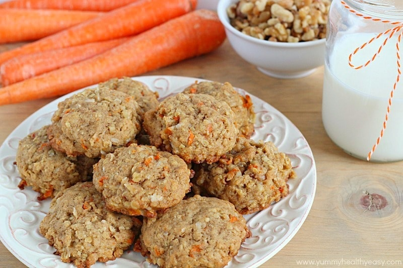 Moist cookies filled with coconut, oats, walnuts and carrot! The perfect cookie for spring!