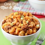 One Pot Mac and Beef - delicious dinner made all in one pot and in under 30 minutes!