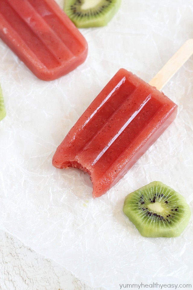 Watermelon Kiwi Popsicles - super easy and delicious popsicles with only four ingredients. Perfect healthy treat for summertime!