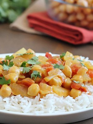 Coconut Chickpea Curry - chickpeas in a creamy curry sauce and served over rice. Quick, easy and absolutely delicious!