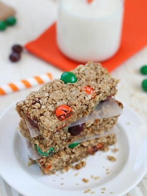 Get your glass of milk ready, you'll love these Oatmeal Cookie Bars!