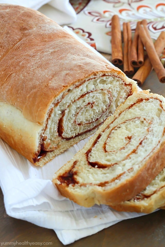 ... to make the BEST Cinnamon Swirl Bread! Super easy! #FleischmannsYeast