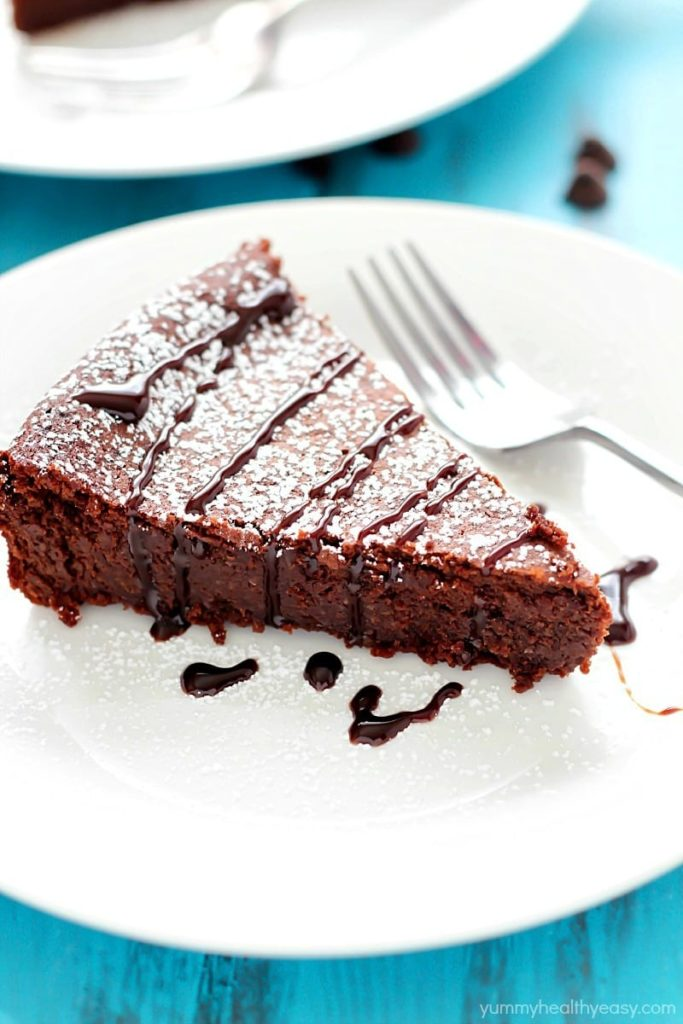 Flourless Chocolate Cake - Yummy Healthy Easy