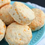 Easy Homemade Biscuits with Cheddar & Rosemary - the best side dish on the dinner table!