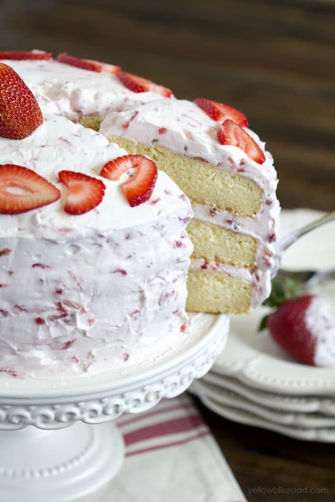 Fresh Strawberry Cake - Strawberries and summer just seem to go together perfectly!
