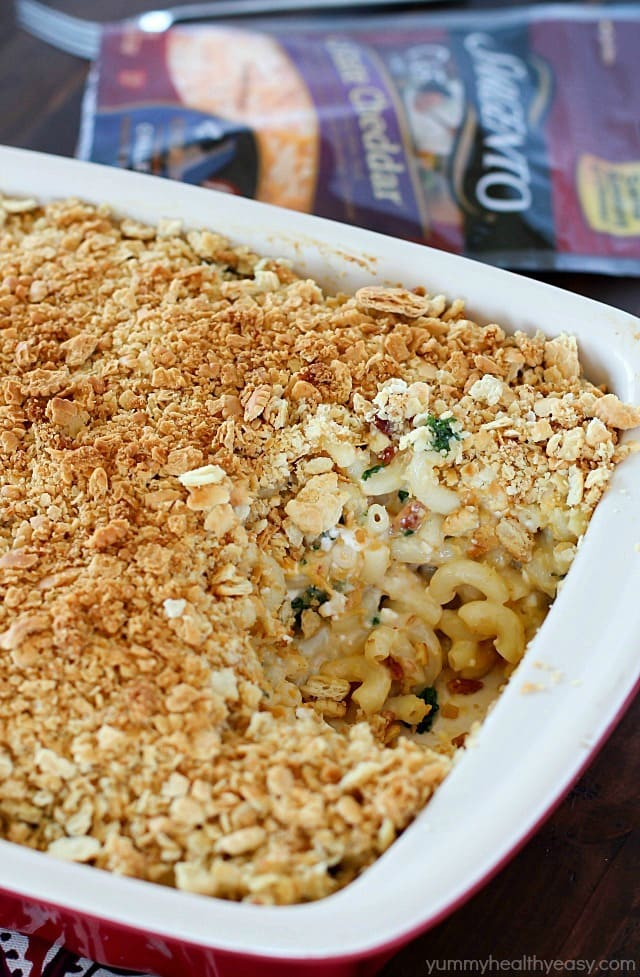 A flavorful Baked Macaroni and Cheese Casserole with bacon & kale and a crushed cracker topping. Comforting and delicious! #ad #ChoppedAtHome