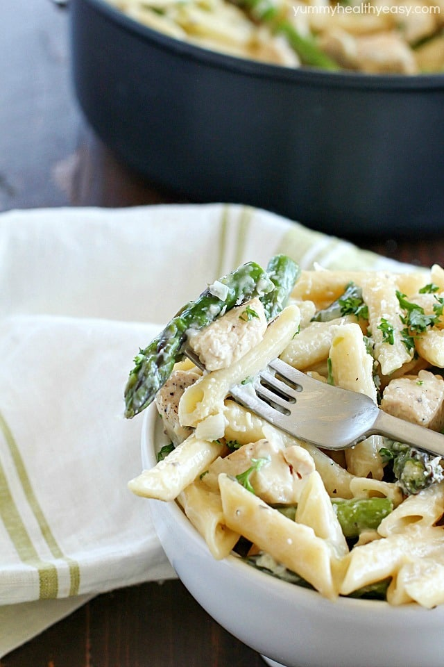 one-pan-chicken-asparagus-pasta-dinner-6