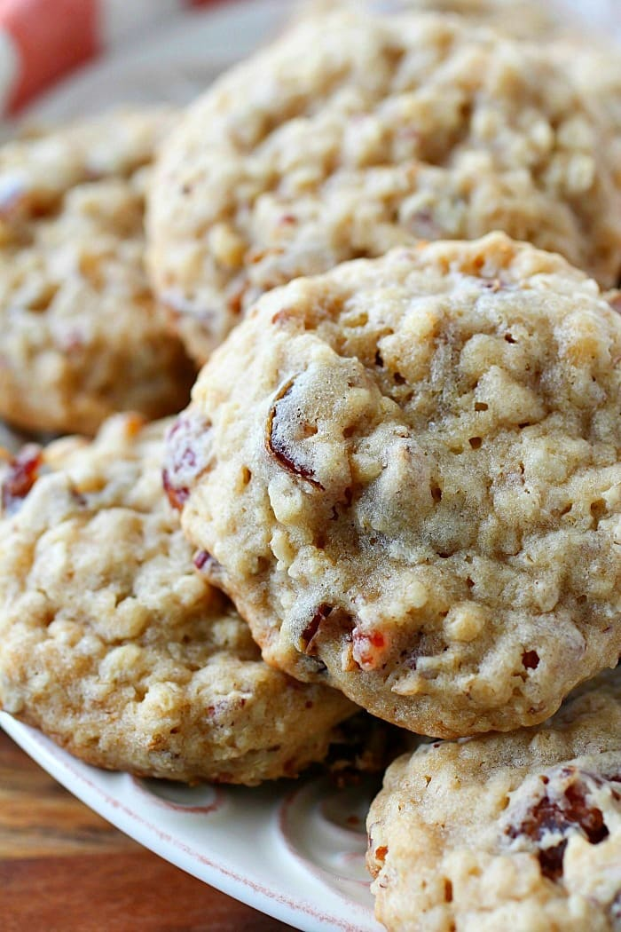 Oatmeal Date Cookies that are chewy and soft in the center but crispy on the edges! The perfect oatmeal cookie filled with chewy dates and crunchy pecans. You will love adding these to your holiday baking list! AD