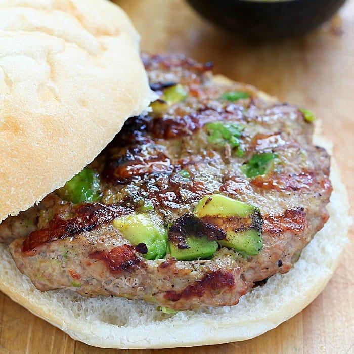 Easy Turkey Avocado Burgers Yummy Healthy Easy
