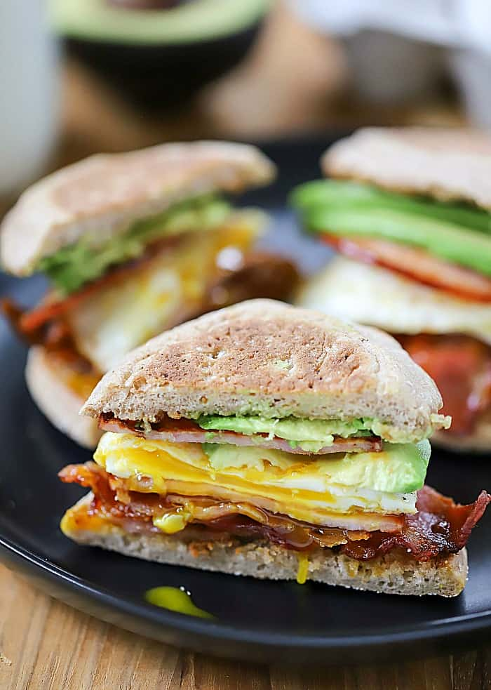 Wake up and make this Egg, Bacon and Avocado Breakfast Sandwich! It's filled with crispy bacon, canadian baocn, egg and avocado! #AD